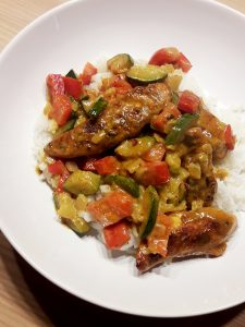 Hähnchenbrust in Zucchini-Curry-Sahne-Sauce