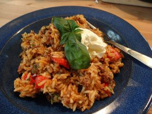 Reispfanne mit Hackfleisch und Paprika