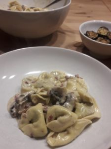 Tortellini mit Pilz-Sahne Sosse