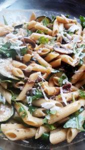 Italienischer Sommer-Nudelsalat